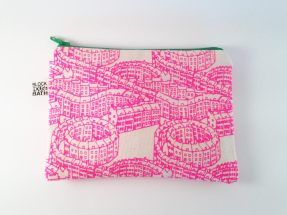 house-pattern-zip-pouch-1