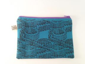 house-pattern-zip-pouch-2